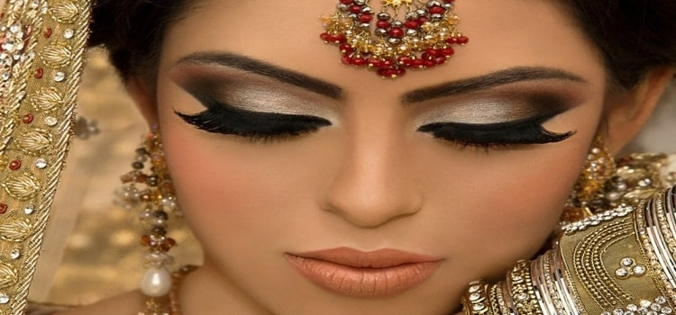 15 Essential Items in a Bridal Makeup Kit